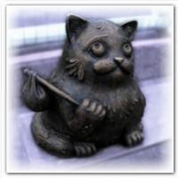 Памятники кошкам с необычной историей